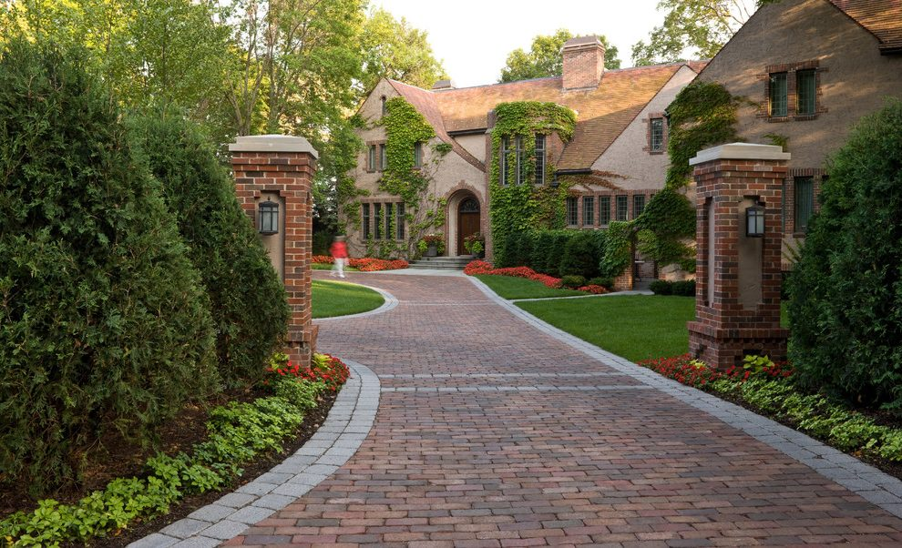 DRIVEWAY DESIGN IDEAS IN YOUR OWN STYLE-glamspaces